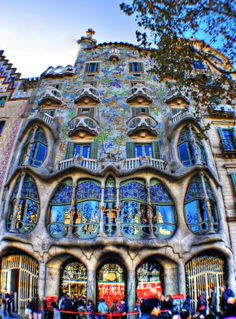To this Modern day adaptation of Barcelona, Casa Batllo adds a dash of a gut and skeletal organic architectural structure posing as an iconic landmarks of the city. This building is a public figure, open for cultural visits and celebration of events.