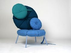 "Woonling Collection by Karoline Fesser:    ""The Woonling Collection"" is a furniture concept that explores changing living- and room situations. Just like living organisms the green algae inspired cushions can build various structures."