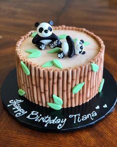 Panda Birthday Cake, Make Birthday Cake, Birthday Cake Decorating, Bolo Panda, Panda Cakes, Animal Cakes, Cake Decorating Videos, Crazy Cakes, Cute Desserts