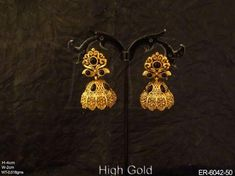 Indian Jewelry Earrings, Real Gold Jewelry, Jewelry Design Earrings, Gold Earrings Designs, Jhumki Earrings, Beaded Jewelry, Antique Jewellery Designs, Gold Ring Designs, Gold Bangles Design