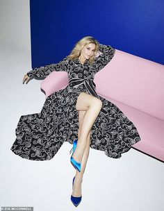 TV presenter Helen Skelton on the controversies that have rocked her career Sexy Older Women, Classy Women, Sexy Women, Young Fashion, Girl Fashion, Blue Peter Presenters, Helen Skelton, Great Legs, Amazing Legs