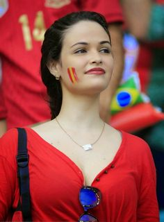 Hottest Girls Of The World Cup: Beautiful Photos Of Football Fans From Brazil - Fun from The World