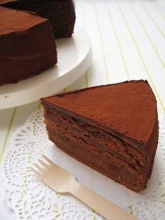 ◆ Rippi / Rippo chocolate cake ◆- ◆りぴ・りぴ㊙チョコレートケーキ◆ ◆ Rippi / Ripino Chocolate Cake ◆ The sponge is soft and fluffy. Chocolate cream is rich and fresh like chocolate ♡ Once you taste it, it& easy ♡ It& easy ☆ Thank you for making cases ♡ - Sweets Recipes, Cake Recipes, Cupcake Cakes, Food Cakes, Cupcakes, Decadent Chocolate Cake, Chocolate Cream, Chocolate Torte, Chocolate Sponge