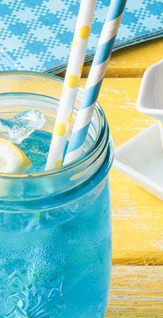 Urlaubsgefühl im Glas! Das macht unser REWE Rezept für Blue Ocean Lemonade möglich, die Ihren Urlaub daheim verlängert oder Feriengefühl auf den Balkon bringt »  https://www.rewe.de/rezepte/blue-ocean-lemonade/