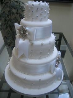 I just love the bling on this cake! Perfect for a winter wedding!
