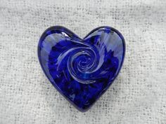 Hearts Blue by koboartgarden discovered by Through The Ice Love Blue, Blue Dream, Blue And White, Cobalt Glass, Cobalt Blue, Cut Glass, Glass Art, Gifts For Him, Great Gifts