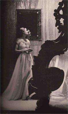 Harper's Bazaar May 1935 Photography: Hoyningen-Huene