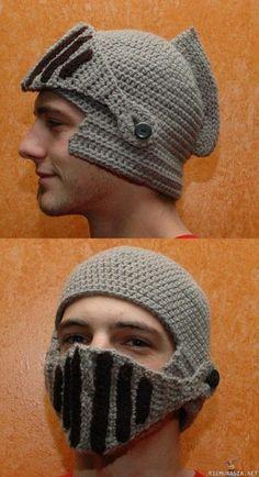 Kuva: Pipo, Hakusanat: lakki pipo hattu kypärä ritari knight helmet hat