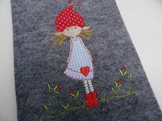 U-Hefthülle Wollfilz*Elfenkind* von Strampelinchen Design auf DaWanda.com
