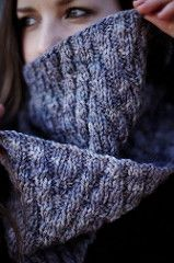 Simple, big, thick and snuggly cowl. Featuring a staggered rib reversible pattern that is quick to knit and fun to wear.
