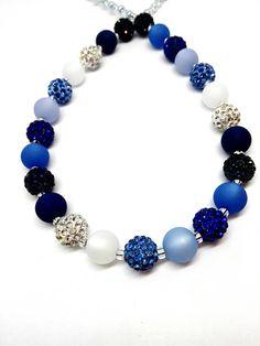 Kurze blaue Halskette Blautöne Polariskette blau mit Strass
