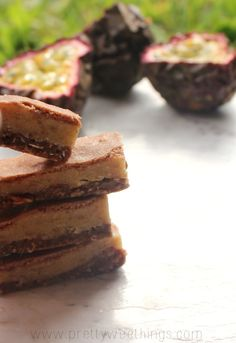 AMAZING Raw caramel slice (no nuts, refined sugar, dairy, or gluten)