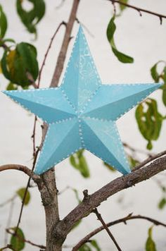 Paper star  Cute idea for Christmas ornaments, gift bag add-ons, or make a bunch to fill a clear bowl/vase or into garland