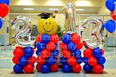 This designer balloon pedestal will take you to the head of the class. Customized to your School colors! 843.856.9121 Charleston Balloon Company