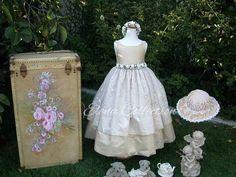 Communion Dresses, Couture Dresses, Victorian, Gowns, Fashion, Haute Couture Dresses, Vestidos, Moda, Dresses
