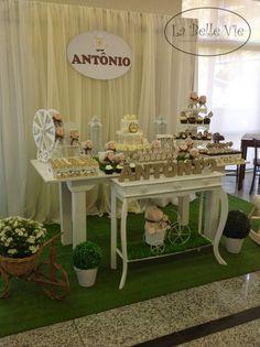 Oi! O chá de bebê do Antônio foi regado de ovelhinhas e muito carinho. A mamãe Mariana confiou no nosso trabalho, pois desenvolvemos esse ...