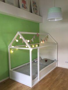 Insta made me built it Toddler And Baby Room, Toddler Rooms, Baby Boy Rooms, Girl Rooms, Baby Room Ideas Early Years, Vintage Boys Bedrooms, Kura Ikea, Kura Hack, Baby Room Neutral