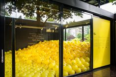 I have created 65 different well-known as well as new emojis that have been put on 2015 yellow inflatable beach balls using 14 character sets of different typefaces. Then I filled up a room with these yellow balls.Every visitor can take a beach ball home…