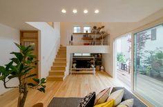 リビング Japanese Home Decor, Japanese House, Modern Interior Design, Interior Architecture, Model House Plan, Scandi Home, Style Japonais, Small House Plans, Home And Deco