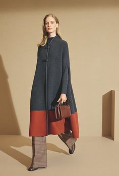 Loro Piana 2019 Fall ready-to-wear Look Fashion, Runway Fashion, Winter Fashion, Womens Fashion, Fashion Design, Fashion Trends, 50 Fashion, Milan Fashion, Fashion Styles