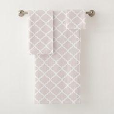 Chic Almost Mauve Big Moraccan Quatrefoil Pattern Bath Towel Set - patterns pattern special unique design gift idea diy