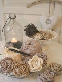Crocheted roses. Instructions in Italian ☺
