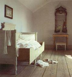 Like Bonnie's bedroom or Phalene's servant bedroom