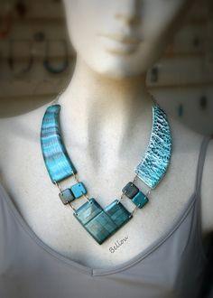 Collier  mi-long bleu et gris