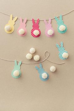 faire une guirlande en papier, tutorial with photo for make une guirlande of Easter to design lapins Crafts For Kids To Make, Easter Crafts For Kids, How To Make, Kids Diy, Easter Garland, Easter Decor, Diy Ostern, Spring Crafts, Kids And Parenting