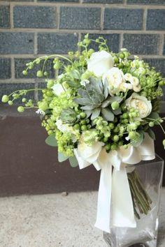 花どうらく/ウェディングブーケ/hanadouraku/http://www.hanadouraku.com/bouquet/wedding/多肉植物/グリーンベル/natural/ナチュラル