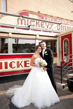 love that this couple headed over to Mickey's Diner after the ceremony! #MinneapolisEventPlanners
