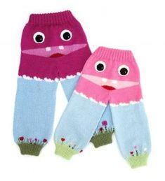 Strikkeoppskrift på ullbukse til barn i størrelse 1 - 8 år. Søt og morsom bukse til små snupper!Les mer › Knitting For Kids, Baby Knitting Patterns, Baby Patterns, Free Knitting, Tartan Pattern, Mittens Pattern, Crochet Pattern, Free Pattern, Drops Design