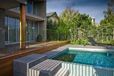 Pool Fencing in Frameless Glass