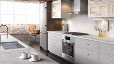 Kitchen Design Ideas for the Modern Kitchen. See Bosch Home Appliances bring European design and functionality to this Miami home. Vintage Appliances, Best Appliances, White Appliances, Cooking Appliances, Kitchen Appliances, Copper Appliances, Rustic Kitchen, Diy Kitchen, Panel Ready Refrigerator