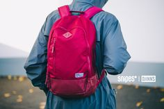 SNIPES hat sich mit Djinn's zusammengetan, um euer All Red Outfit auch in Sachen Transport perfekt zu machen. Der No. 1 Nylon Rucksack glänzt mit einer einzigartigen Optik in All Red und punktet mit seinem großzügigen Volumen und der intelligenten Aufteilung des Stauraums in den einzelnen Fächern. Artikelnr.: 4000223 Preis: 59,99 Euro #snipes #snipesknows #djinns #rucksack #backpack