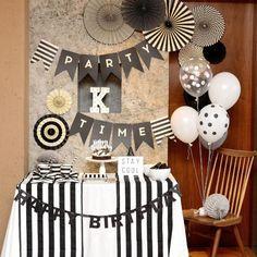 男の子の誕生日の可愛い飾り付けアイディアまとめ / バースデー / PARTY   ARCH DAYS Birthday Decorations For Men, Dance Decorations, Diy Birthday Banner, Gold Party Decorations, Happy Birthday Banners, 1st Boy Birthday, Black And White Party Decorations, Black White Parties, Polka Dot Birthday