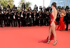 0669ae48c5634 Cannes 2016  la montée des marches de La Fille Inconnue