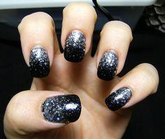 black sparkles nails