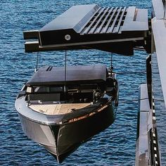 Great setup @yachts_world & @ferrettigroup. #tender #yacht #yachttender #florida #superyacht #hoist #storage #boat #carbon #carbonfibre #paragon #thegoodlife by carbon_marine