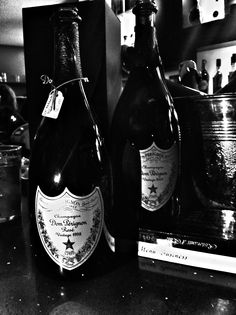 Merate / Aperitivo tra Amici Vintage Roses, Life Is Good, Champagne, Wine, Bottle, Drinks, Flask, Drink, Beverage