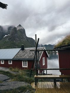 reine fisherman huts | lofoten islands, norway