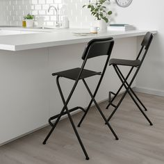 IKEA FRANKLIN bar stool with backrest, foldable With footrest for relaxed sitting posture. Wayfair Living Room Chairs, Accent Chairs For Living Room, Formal Living Rooms, Foldable Bar Stools, Folding Bar Stools, Bar Ikea, Overstuffed Chairs, Soft Flooring, Chaise Bar
