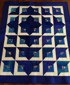 Patchwork Quilt Tutorial Video Ideas Patchwork Quilt Tutorial Video Ideas - This Patchwork Quilt Tutorial Video Ideas photos was upload on March, 28 2020 by admin. Here latest Patchwork Q. Log Cabin Quilts, Édredons Cabin Log, Amische Quilts, Blue Quilts, Patchwork Quilting, Log Cabin Patchwork, Jellyroll Quilts, Log Cabins, Quilting Tutorials