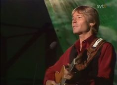 Sweden, 1982, ''...and your face in my dreams is like heaven to me...'' John DENVER