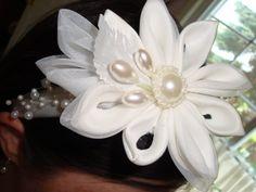 White Kanzashi headband by IlNostroNido on Etsy, $22.50