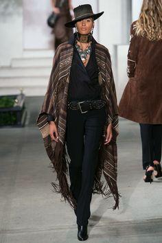 Ralph Lauren at New York Fashion Week Spring 2017 - Runway Photos London Fashion Weeks, Fashion Week Paris, Milano Fashion Week, New York Fashion, Runway Fashion, Street Fashion, Fashion Trends, Look Fashion, Fashion Show