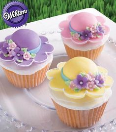 Bonnet Season Cupcakes - What a bonnie way to celebrate spring! Cupcakes topped with Easter bonnets are created using the Floral Collection Flower Making Set and the Blossom Nesting Metal Cutter Set. Wilton Cake Decorating, Cookie Decorating, Decorating Ideas, Easter Cakes Decorating, Decor Ideas, Fancy Cakes, Mini Cakes, Oster Cupcakes, Gourmet Cupcakes