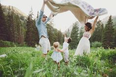 Madison Vining & her adorable family. Yes, this family is drool worthy... they are so dang cute! I love how they interacted!!