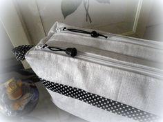 Trousse Zip-Zip en lin blanc enduit cousu par L'Atelier d'AU'