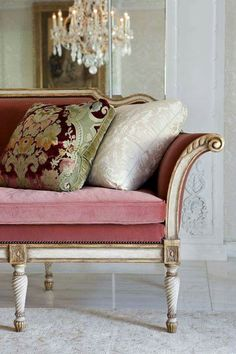 """The Elegant Home - Interior Designer: Sara Ruffin Costello """"Elegance is timeless"""" ― Habeeb Akande One Kings Lane Interior Designer: Sara Ruffin Costello """"Natural ele French Decor, French Country Decorating, French Furniture, Painted Furniture, Cheap Furniture, Furniture Cleaning, Furniture Online, Furniture Stores, Luxury Furniture"""